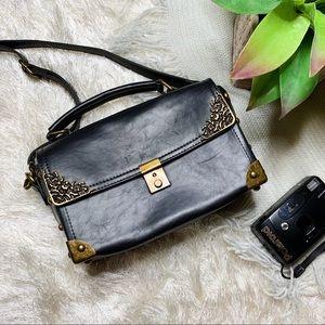 Nila Anthony black purse